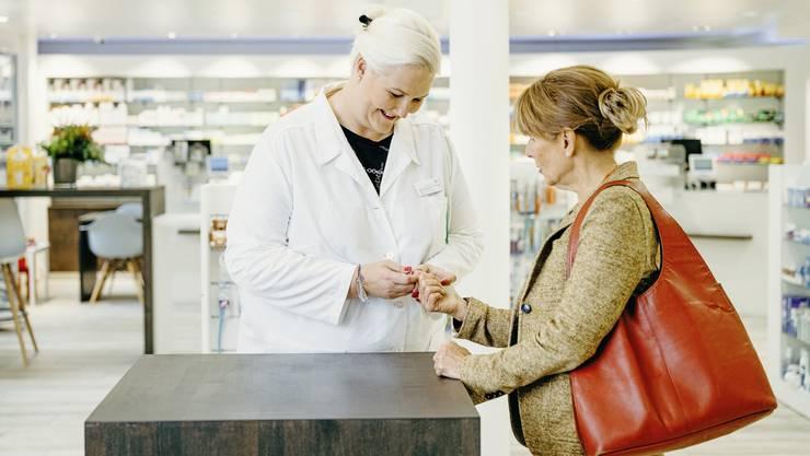 Über 60 Prozent der Befragten sind bereit, für eine Beratung durch den Apotheker Geld auszugeben, wenn das Gesundheitsproblem gelöst wird.