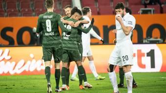 Die in Grün gekleideten Stuttgarter dürfen sich über drei Punkte in der Fremde freuen.