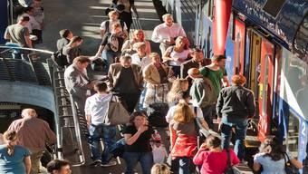 Eng ist es im Bahnhof Stadelhofen, wenn viele Pendler unterwegs sind. Gaetan Bally/key
