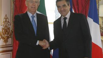 Mario Monti (links) und François Fillon in Paris
