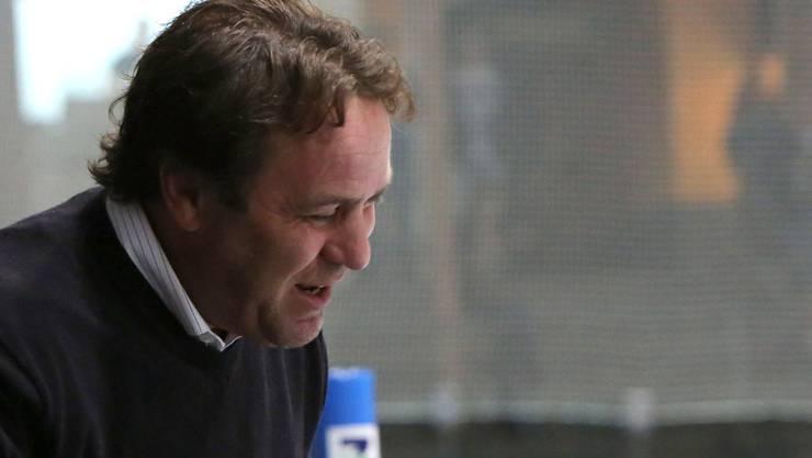 Alleine verantwortlich: Nach dem Abgang von Assistenztrainer André Rötheli zu den Kloten Flyers ist Scott Beattie erstmals alleine an der Bande.