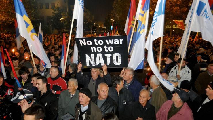 Die prorussische Opposition in Montenegro rief aus Protest über eine mögliche NATO-Mitgliedschaft des Landes ihre Anhänger auf die Strasse.