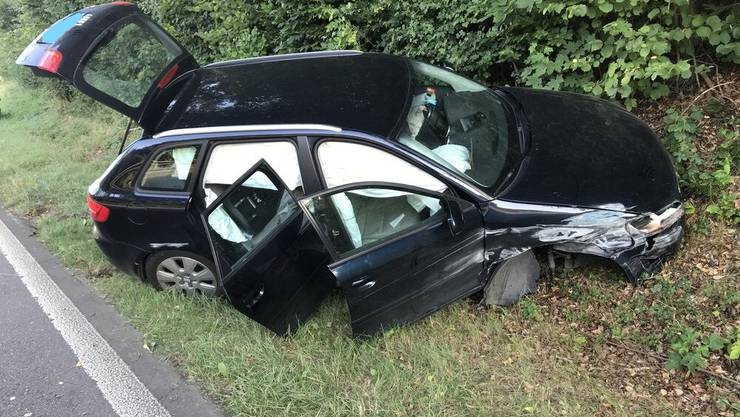 Im Wagen waren ein 1-jähriges und ein 2-jähriges Kind.
