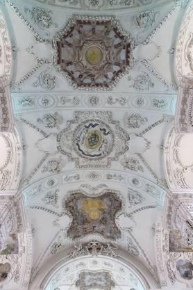 Die Deckenmalereien wurden restauriert