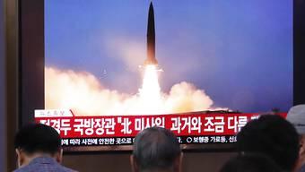 Fernsehbericht in Südkorea über einen Raketenabschuss im nördlichen Nachbarland. (Archivbild)