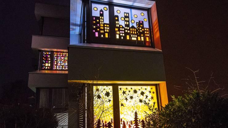 Adventsfenster im Schulhaus Egg in Frenkendorf.