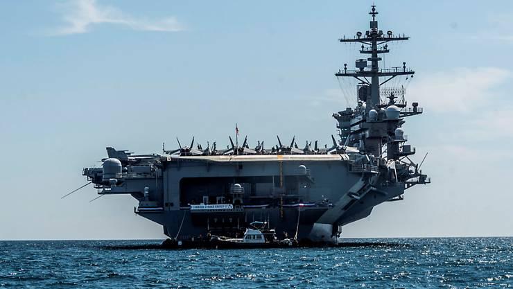 Die USA verlegen angesichts des Streits mit dem Iran mehrere ihrer Streitkräfte in den Nahen Osten - darunter den Flugzeugträger USS Abraham Lincoln. (Archivbild)