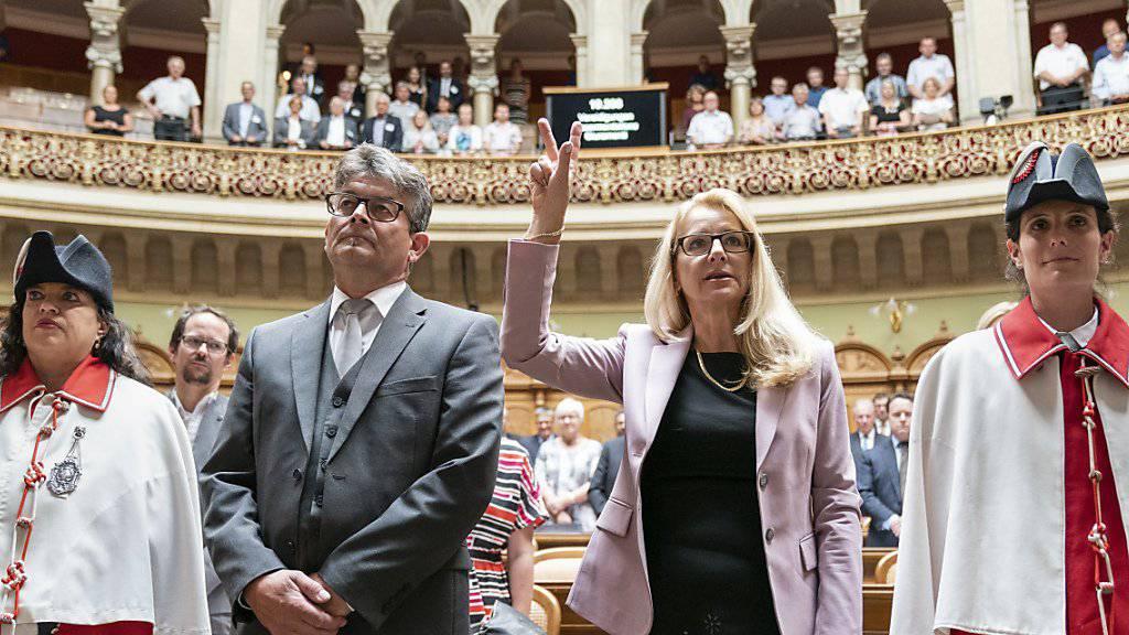 Zwei neue Mitglieder der SVP-Fraktion vereidigt