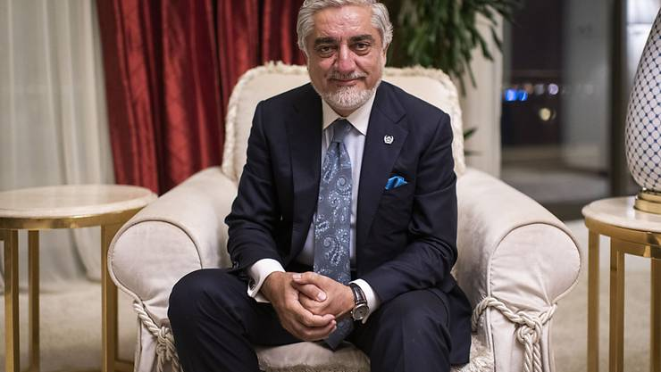 Abdullah Abdullah, Vorsitzender des afghanischen Hohen Rats für Versöhnung und Chef der Friedensverhandlungen mit den Taliban, bei einem Interview mit der Deutschen Presse-Agentur. Foto: Arne Immanuel Bänsch/dpa