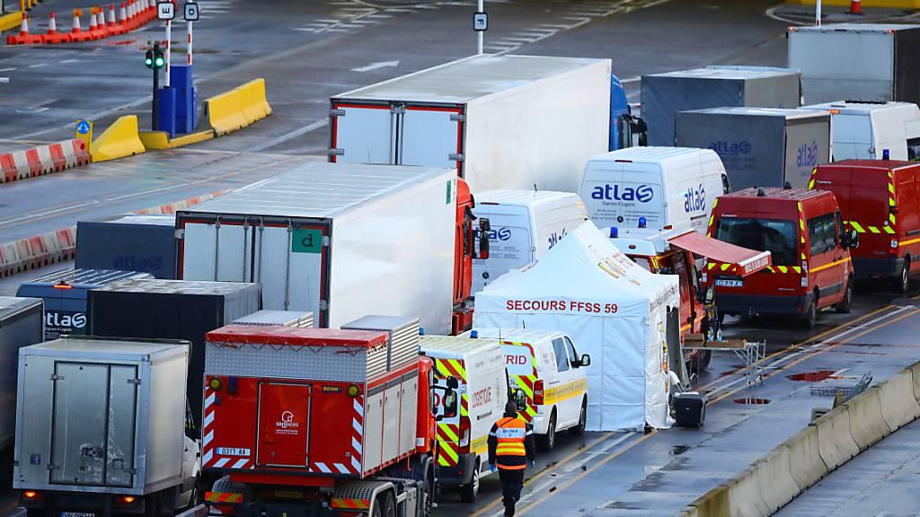 Weniger als 200 Lastwagen warten noch in England auf Ausreise