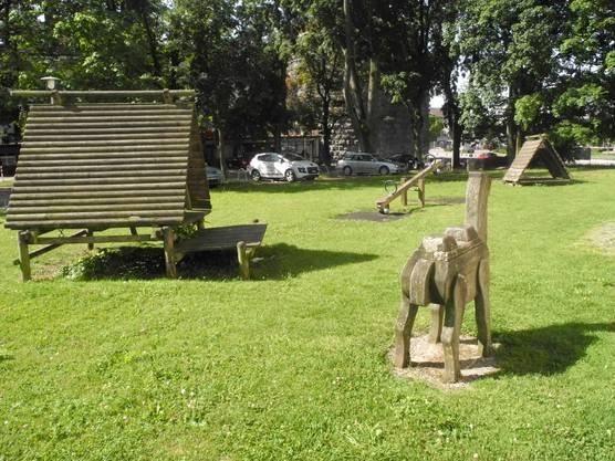 Heute stehen auf dem Spielplatz die alten Geräte, die vom Amtshausplatz-Spielplatz gezügelt wurden