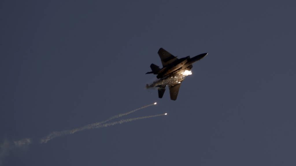 Israel greift nach Raketenattacke Ziele in Gaza an