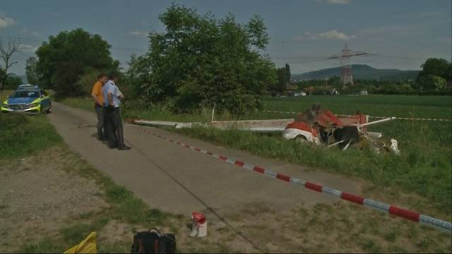 Absturz in Rheinfelden (D): «Flugzeug hat vorher womöglich eine Hochspannungsleitung touchiert»