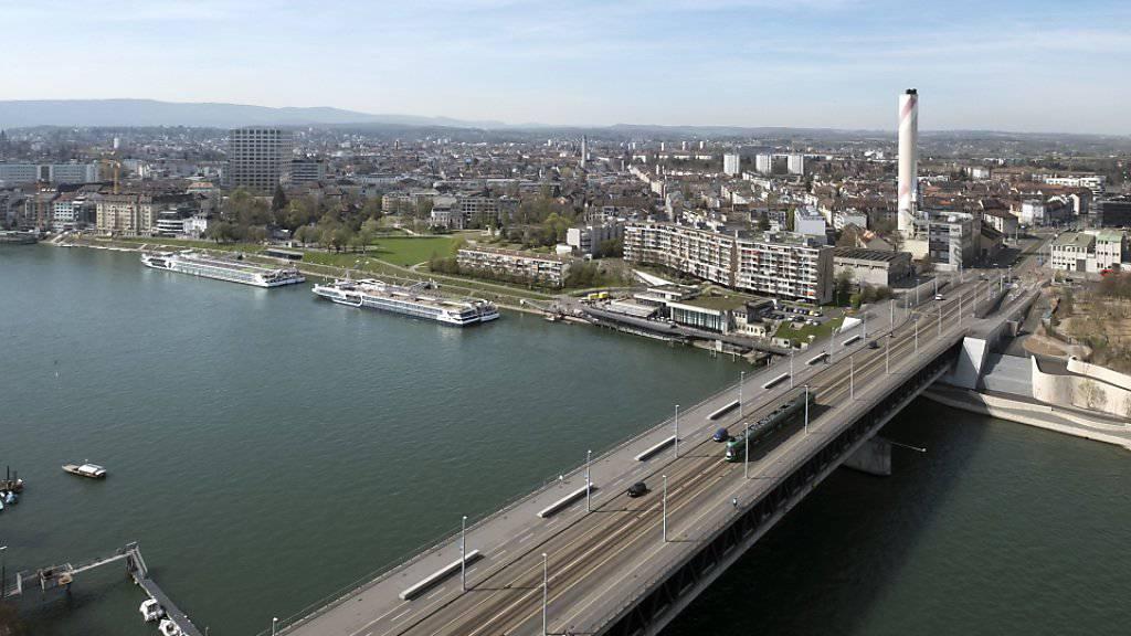 Über diese Brücke raste am Samstag ein Familienvater mit zwei Kindern im Auto mit 121 statt der erlaubten 50 km/h.(Archivbild)