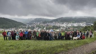 Das «Merci» gilt auch den 158 Leserwanderinnen und Leserwanderern, die auf der Abendwanderung rund um Baden teilnahmen – 12 Prominente aus Politik und Gewerbe inklusive. Wer erkennt sie? Die Namen finden Sie im Artikel.