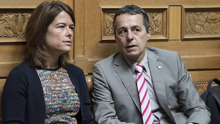 FDP-Präsidentin Petra Gössi im Gespräch mit Fraktionschef Ignazio Cassis. Der Tessiner gilt als heisser Anwärter auf die Nachfolge von Didier Burkhalter im Bundesrat.