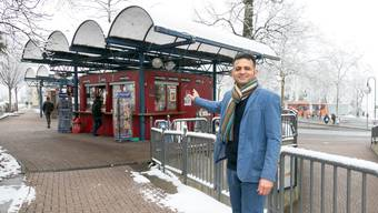 Brennpunkt Busbahnhof: Fareed Syed ist seit 2012 Pächter des städtischen Kiosks.