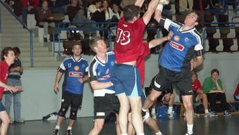 Jonas Affentranger ist nach seinen Lehr- und Wanderjahren wieder zurück beim HC Dietikon-Urdorf. Hier eine Szene aus der Saison 2006/07.Ruedi Burkart