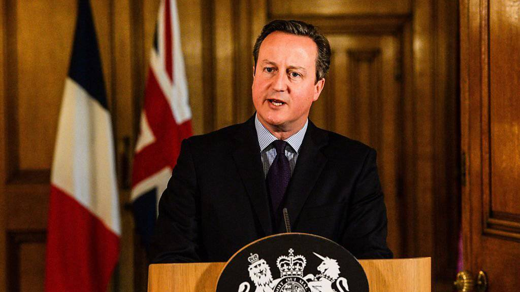 Der britische Premierminister David Cameron stellte seinen Geheimdiensten nach den Pariser Anschlägen deutlich mehr Personal zur Verfügung. (Archivbild)