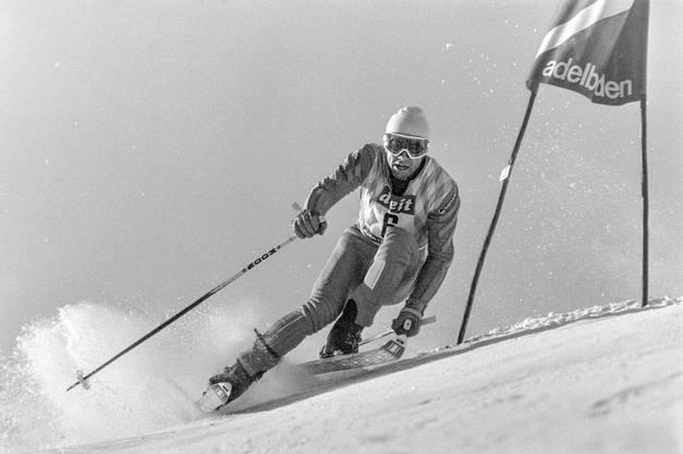 Ingemar Stenmark in Aktion beim Riesenslalom in Adelboden (1976).