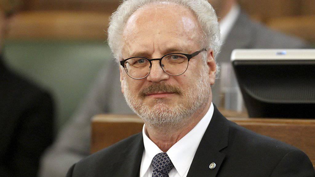 Egils Levits ist vom Parlament zum neuen Präsidenten Lettlands gewählt worden. Er wird das höchste Staatsamt im Juli antreten.
