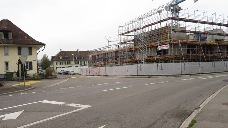 Blick von der Obergerlafingenstrasse in die Schulhausstrasse.
