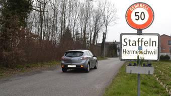 Gemeinderat und Dorfbewohner wollen auf der linken Seite der Stafflerstrasse einen Rad- und Fussweg anlegen. sl