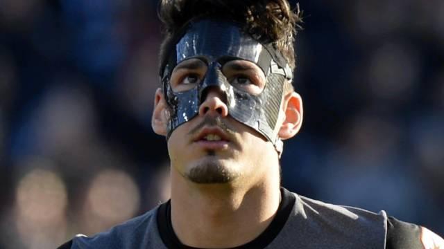 Roman Bürki: Trug nach seinem Unfall in St. Gallen eine Maske
