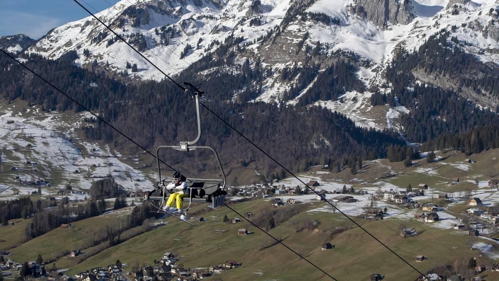 In den Skigebieten schmilzt der Schnee weg