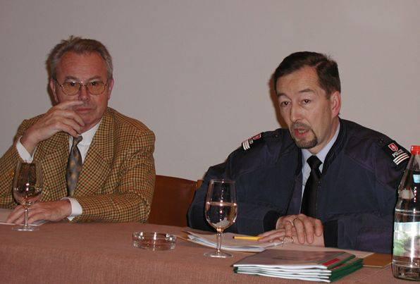 """Mit Eduard Zimmermann (""""Aktenzechen XY ungelöst"""") etwa 2001. Die beiden waren gute Bekannte"""