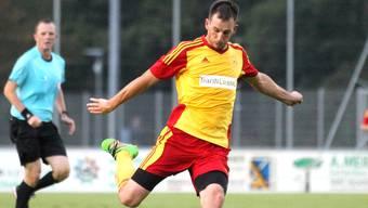 Schöftland-Spieler Miroslav Kral liess sich zum Dreifach-Torschützen krönen.