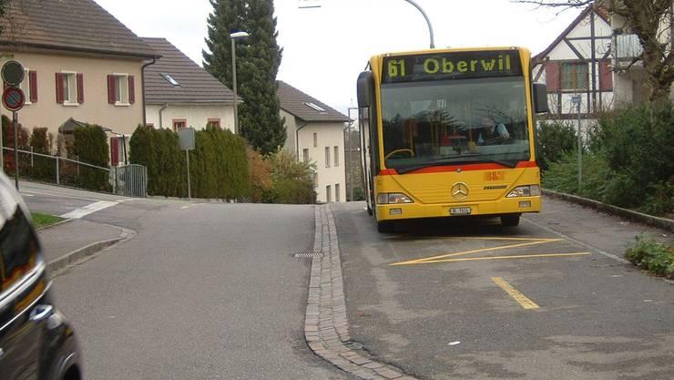 Bundesgericht entscheidet: Oberwil muss die Hälfte der Bushaltestelle beim Gymnasium bezahlen.