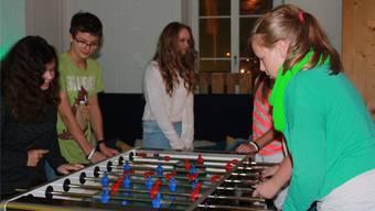Probeweise dürfen die Jugendlichen in Ausbildung den Jugendtreff Unterkulm noch weiter besuchen. zvg