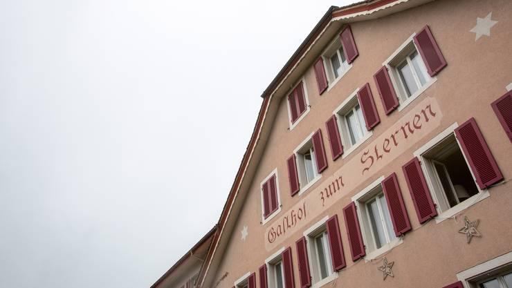 Das Departement Gesundheit und Soziales dementiert die Behauptung, Susanne Hochuli habe betreffend Asylunterkunft im «Sternen» geheime Anrufe getätigt und Maulkörbe verhängt.