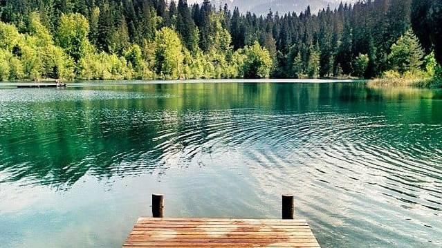 Der Crestasee ist nicht nur schön zum Baden.