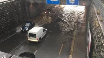 Während der Unwetter vor eineinhalb Wochen stand die Unterführungsstrasse unter Wasser.