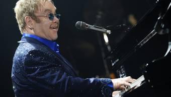Sitzt nicht immer so stabil wie hier: Elton John (Archiv)