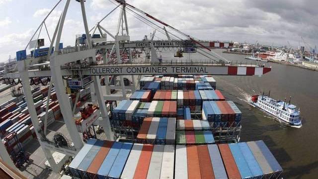 Warenumschlagplatz: der Hafen in Hamburg