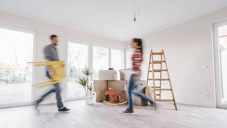 Platzende Eigenheim-Träume: für junge Paare ohne reiche Eltern sei der Zug zum Eigenheim bereits abgefahren, sagen Experten.