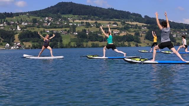 Chantal Hängglis Yoga-Lektion auf dem Hallwilersee.