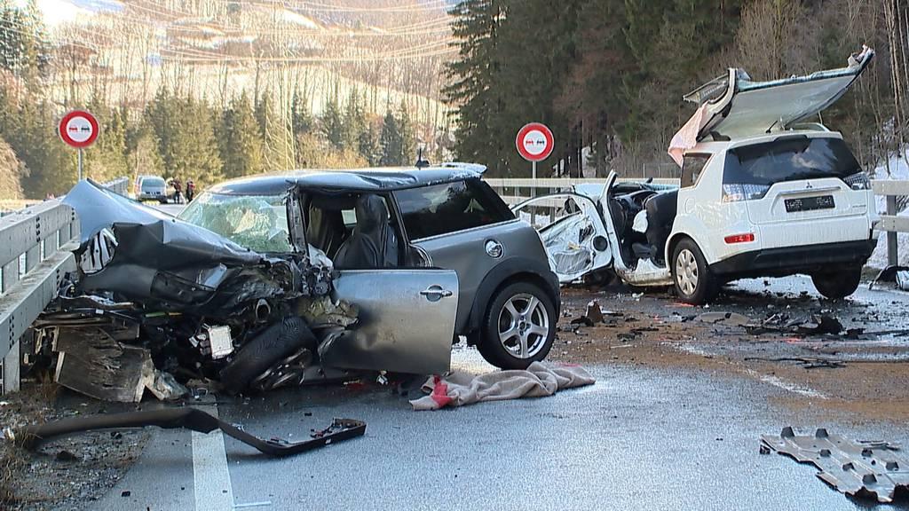 19-Jähriger stirbt bei Frontalkollision in Schiers (GR)