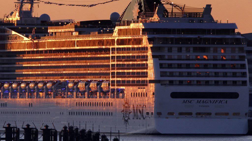 """Steuert nach den Anschlägen in Istanbul """"bis auf weiteres"""" keine türkischen Häfen an: Das Kreuzfahrtschiff """"MSC Magnifica"""". (Archiv)"""