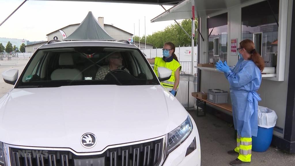 Trotz steigender Neuinfektionen: Corona-Drive-In in Bern geschlossen
