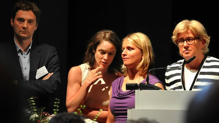 Von links: Die Referierenden Andreas Rieder, Caroline Hess-Klein und Verena Bentele sowie Moderatorin Marie-Thérèse Weber-Gobet, Procap-Bereichsleiterin Sozialpolitik