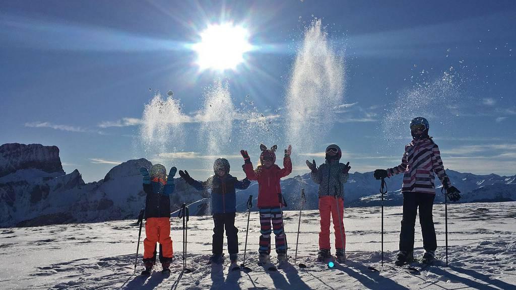Skifahrer lassen sich vom Bergbahnenstreit nicht abhalten
