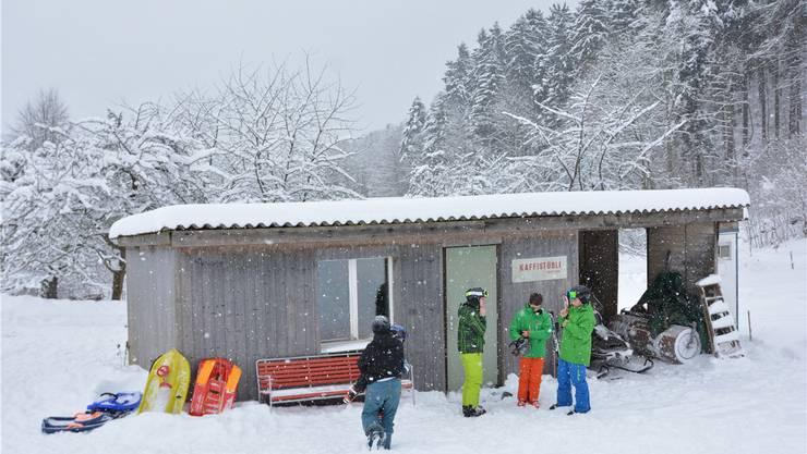 Das verschneite Kaffistübli beim Skilift Gsahl. Nun wird es abgerissen und ein neues entsteht.