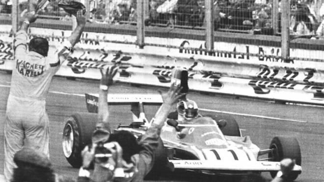 Clay Regazzoni gewinnt 1974 im Ferrari den GP von Deutschland auf dem Nürburgring. Foto: Keystone