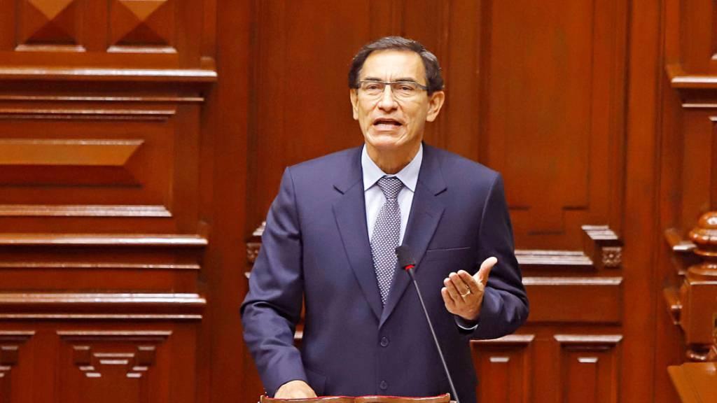 Perus Parlament setzt Präsident Vizcarra ab