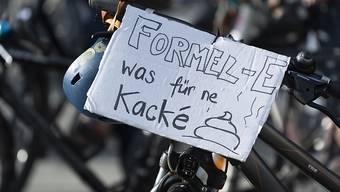 Die Velodemo gegen den Formel-E-Grossanlass in Bern hat wohl ein juristisches Nachspiel: Der Veranstalter will wegen der entstandenen Schäden eine Strafanzeige einreichen. (Archivbild)