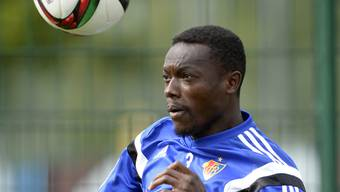 Adama Traoré beim Kopfball